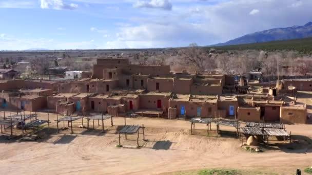taos pueblo von luftdrohne native american mark