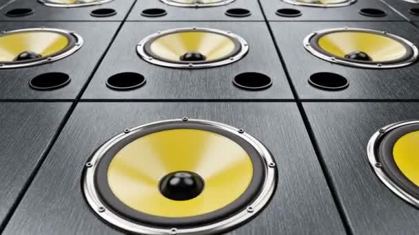 Mozgó átlós át audio hangszórók sárga membránok játszik modern zenét