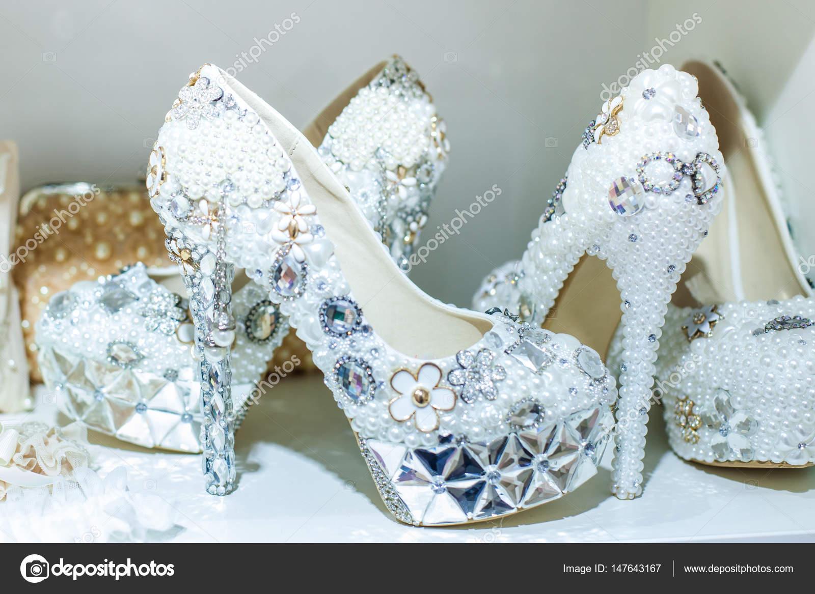 Bright wedding shoes — Stock Photo © Silkstocking #147643167