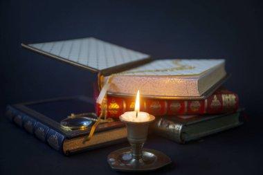 Fransız ciltleyici, el yapımı kitaplar, altın damgalı hakiki deri çanta..