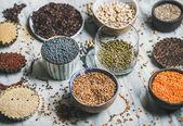 Různé syrové syrového zrna