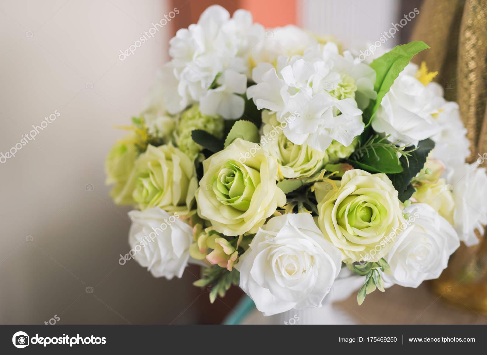 Weisse Blumen Hochzeit Stockfoto C Woraphon N Gmail Com 175469250
