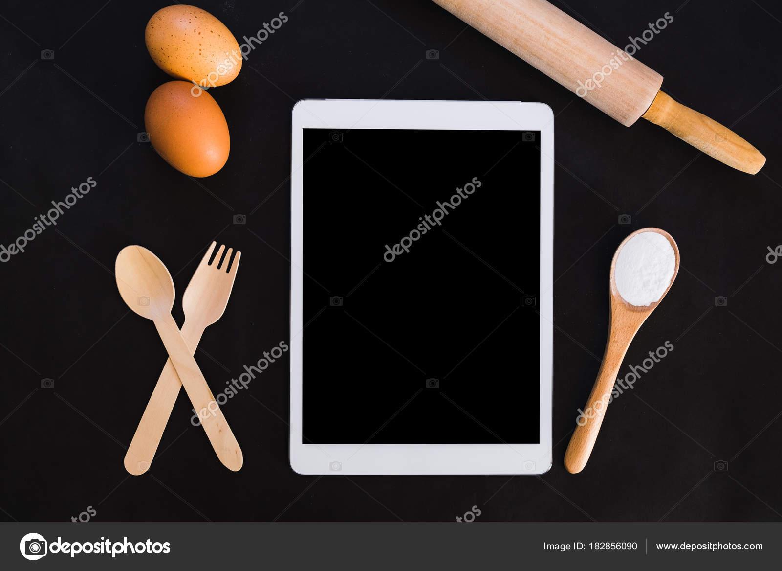 Backen Kuchen Zutaten Rezept Buch Ipad Mehl Eiern Schneebesen