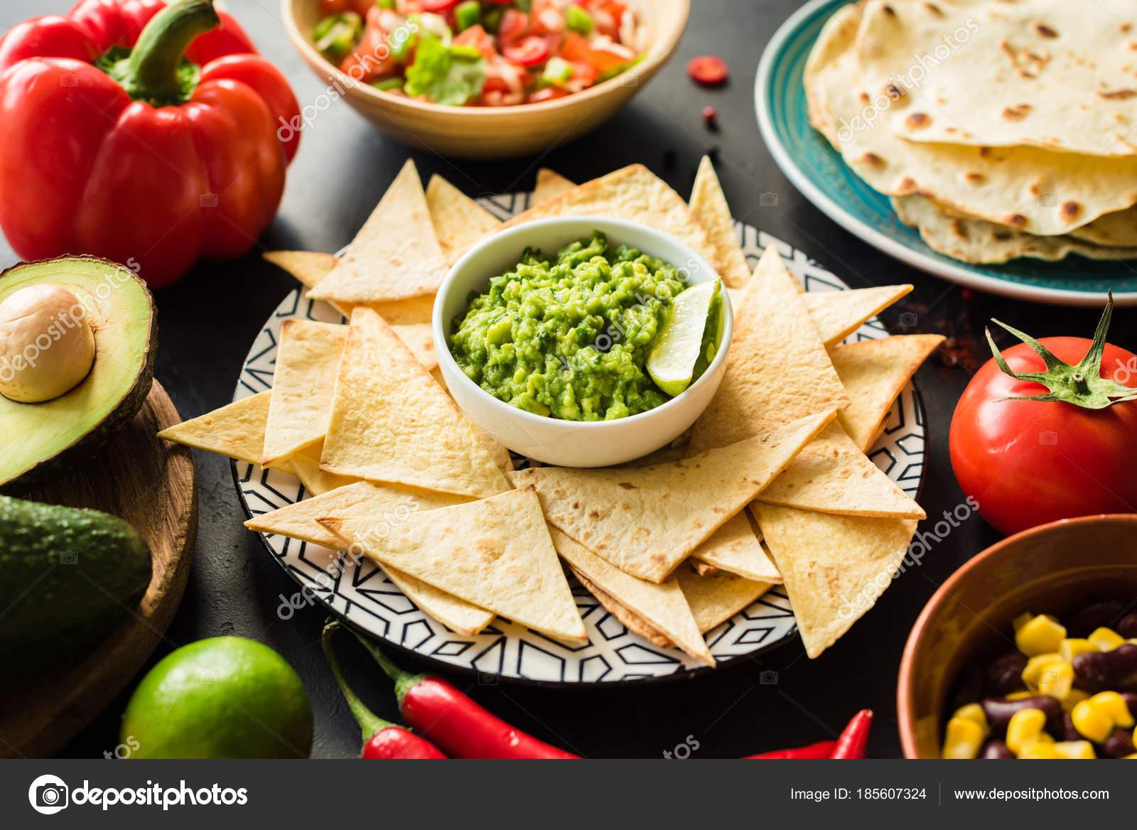 Meksykanskie Jedzenie Guacamole Nachos Tortilla Chips Salsy I Fasoli