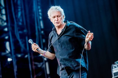 Guided By Voices performance on best kept secret 2019