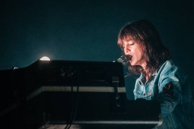 Charlotte Gainsbourg performance on best kept secret 2019