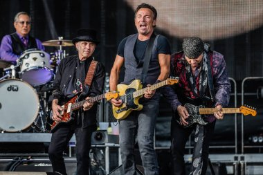 bruces springsteen and the e-street band on malieveld festival 2016