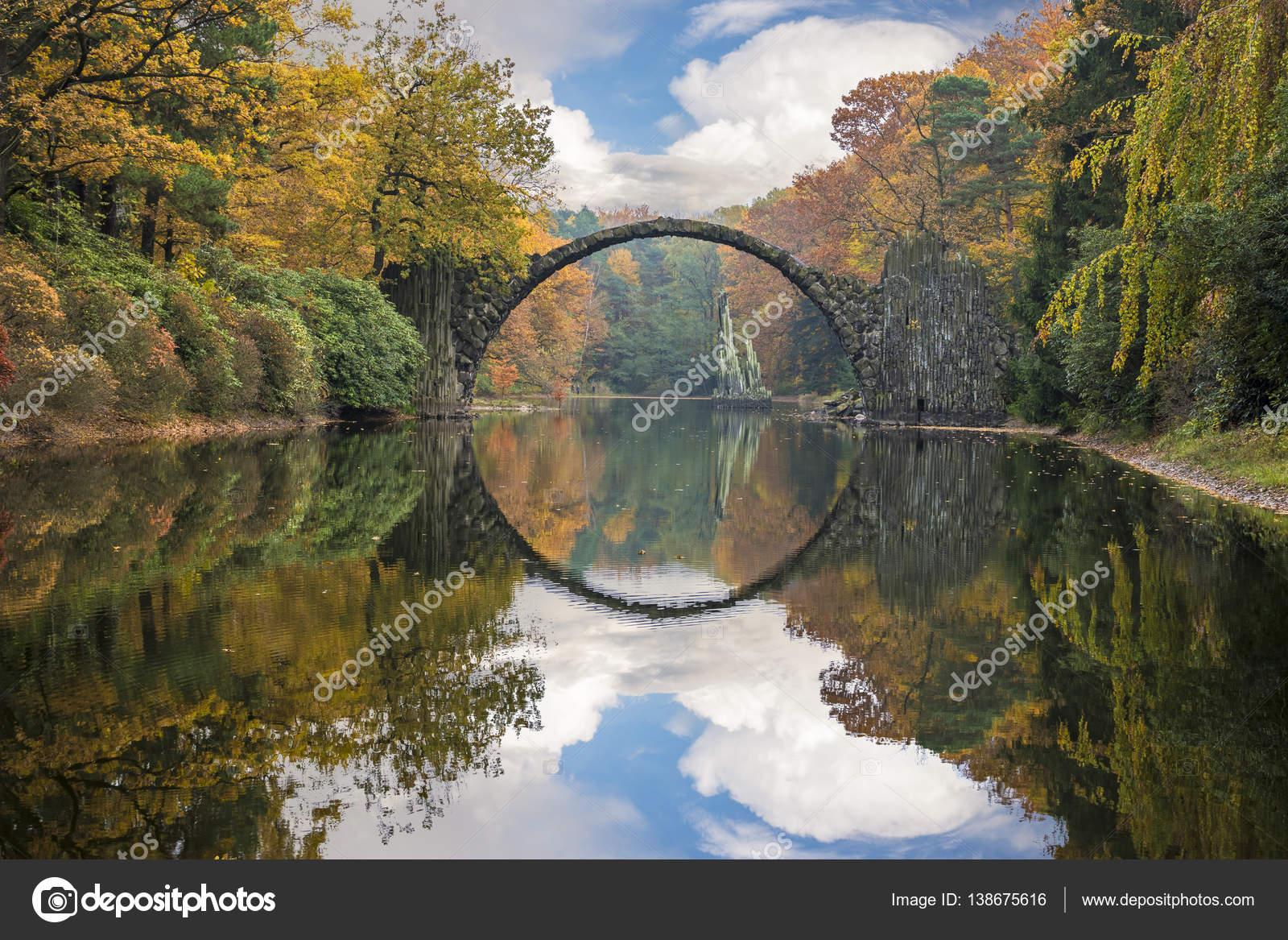 Diabelski most, Kromlau, Niemcy — Zdjęcie stockowe