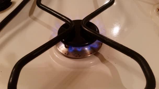 modrý plamen plynu