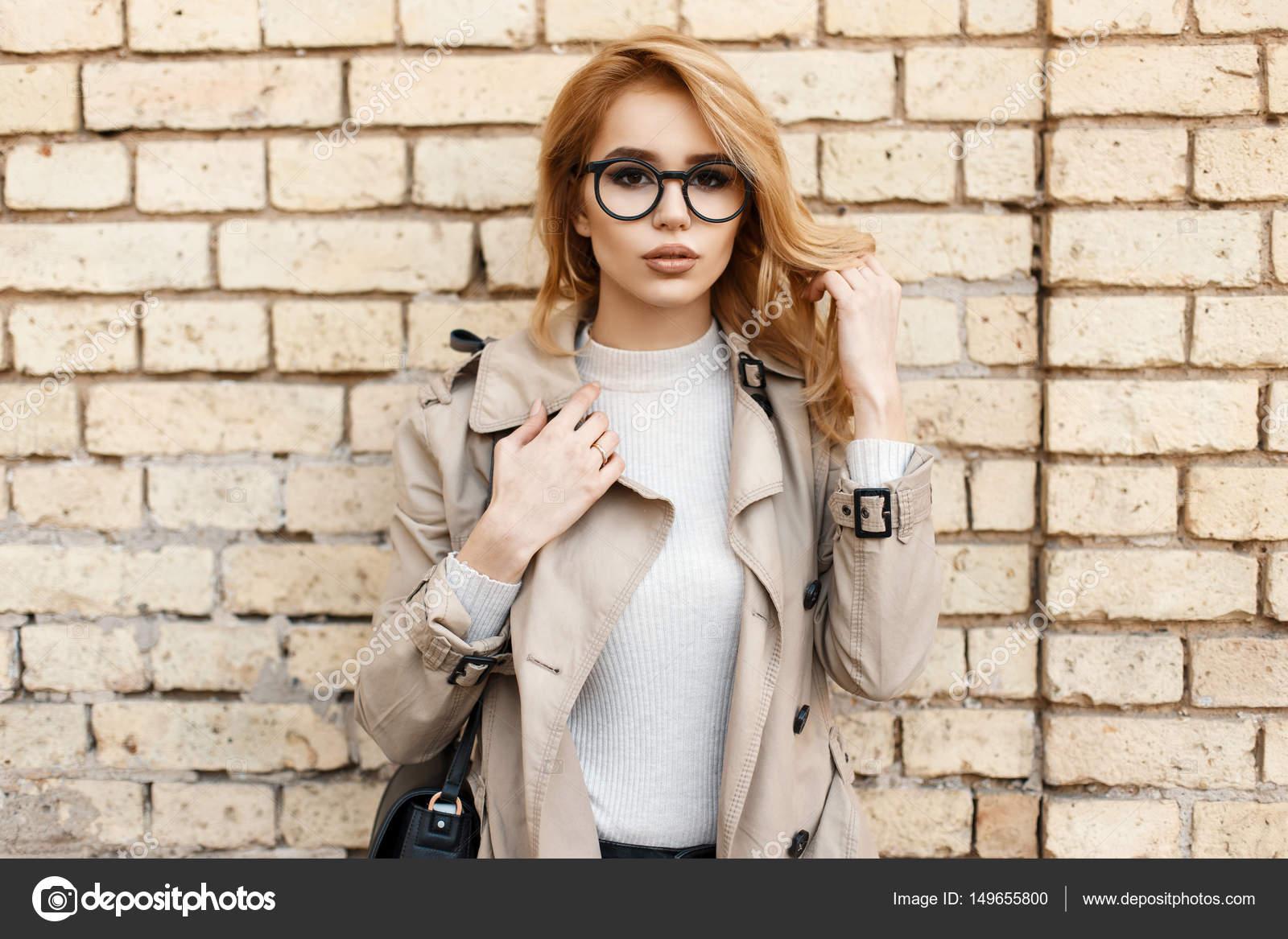 Mantel hipster
