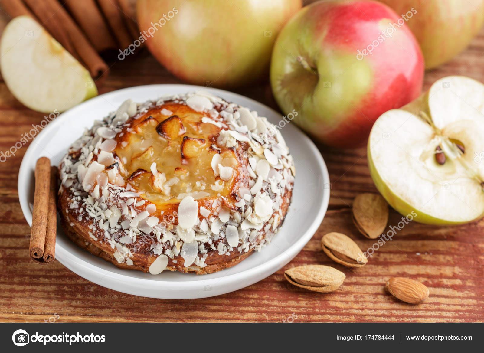 Elmalı Tarçınlı Krep