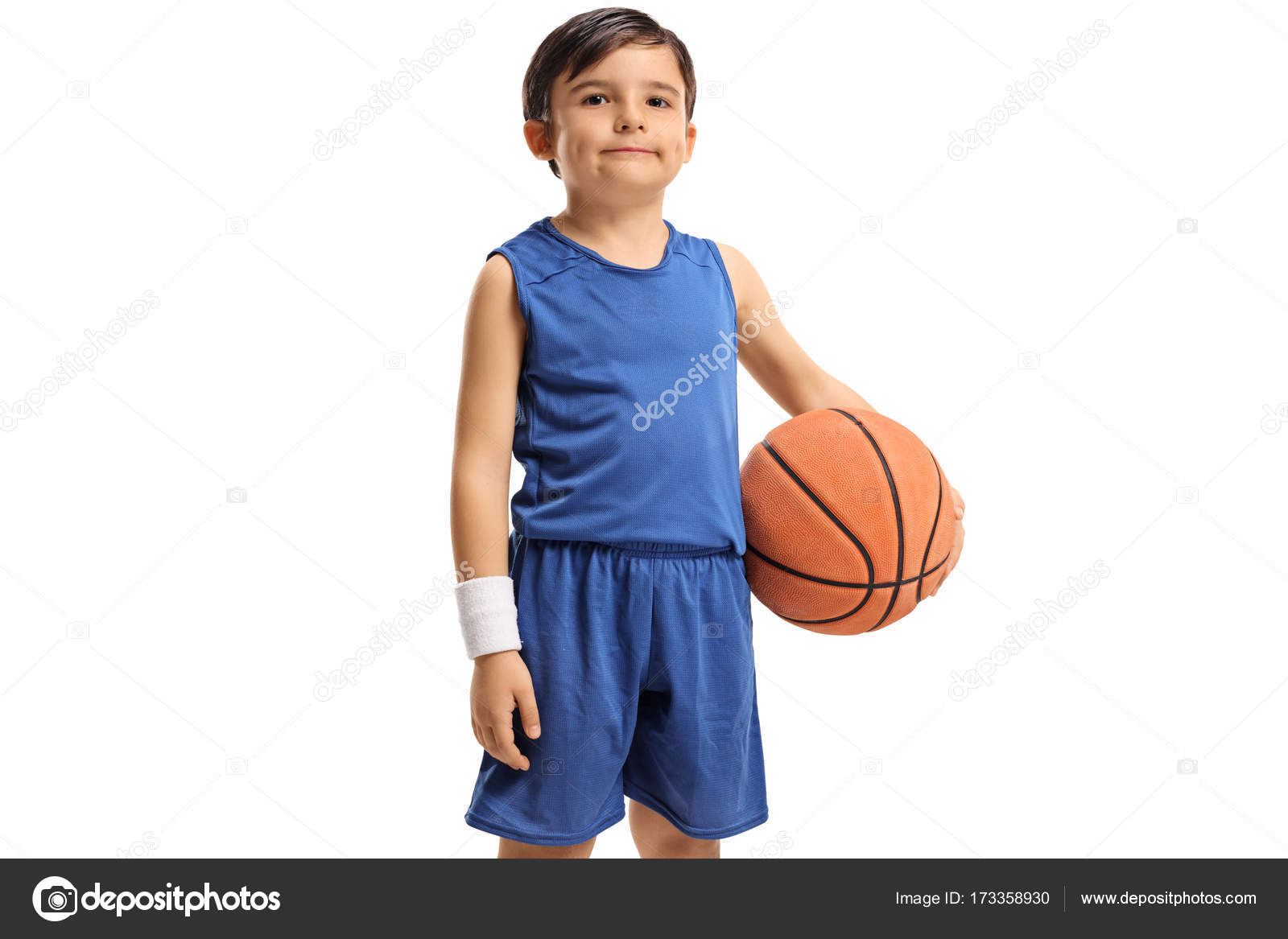 4c3fcd6ab96 Little basketball player — Stock Photo © ljsphotography #173358930