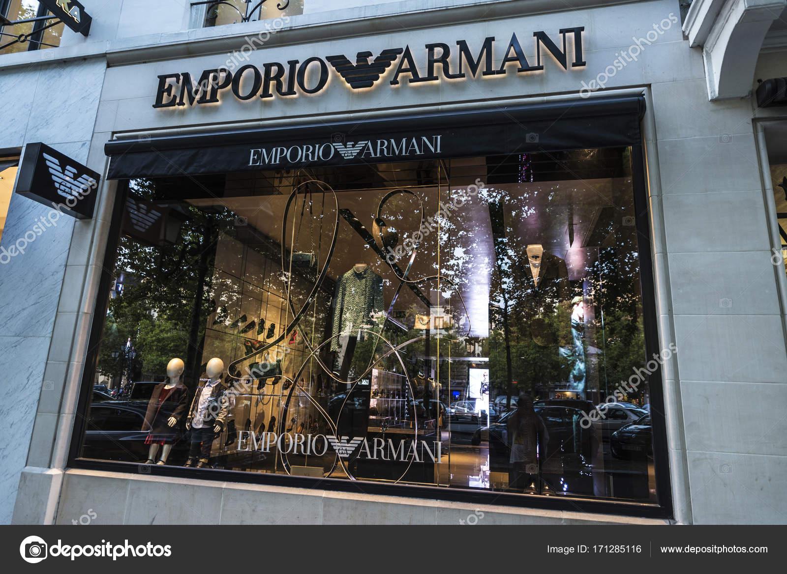 3789c4335df6e Loja Emporio Armani em Bruxelas