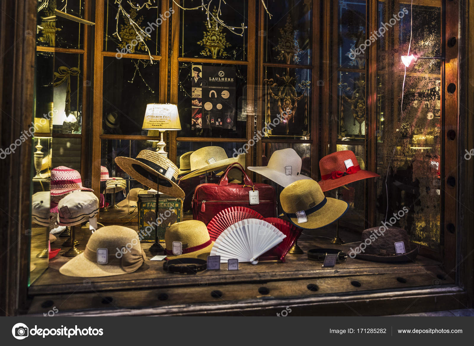 Millinery store in Brussels, Belgium – Stock Editorial Photo