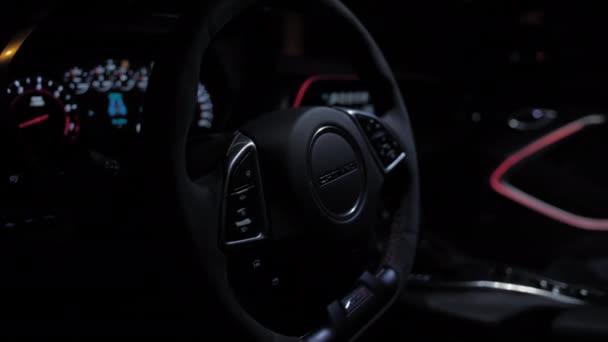 TOMSK, RUSKO - 30. března 2020: Chevrolet Camaro ZL1 Exorcistický interiér