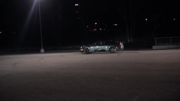 TOMSK, RUSKO - 30. března 2020: Chevrolet Camaro ZL1 Exorcista unáší