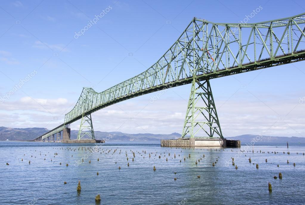 Long Astoria Bridge