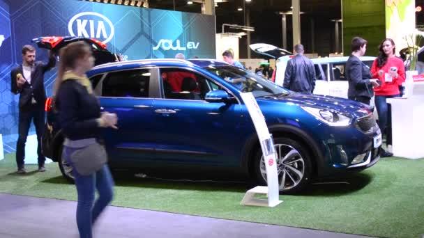 Ausstellung von Elektrofahrzeugen plug in ukraine 2017, Kiew, Ukraine 8. April 2017: Elektroauto