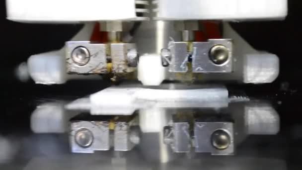 3D tisk bílý model tiskárny
