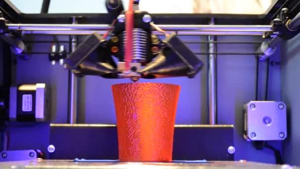 3D-Drucker drucken rote rundes Modell