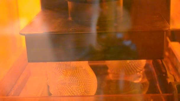 3d printer printing photopolymer