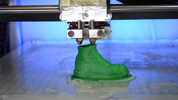 3D Drucker druckt die Form der geschmolzene Kunststoff grün