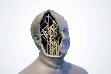Example of printing a 3d object in the form of a human head with supports