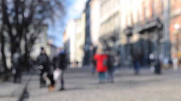 Şehir merkezindeki birçok insanın geçmişi bulanık..