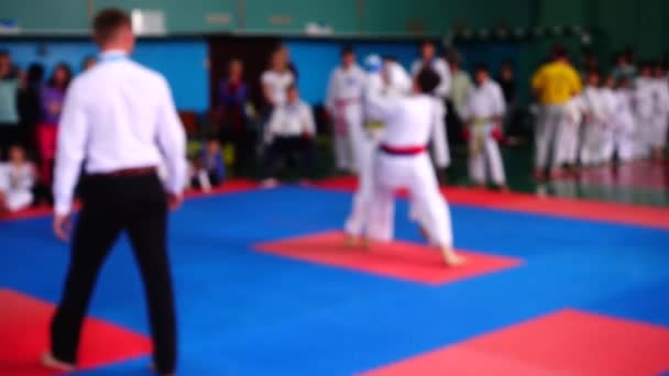 Karate versenyek. Nem fókuszált. Lassú mozgás..