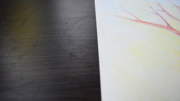 Baumzeichnung auf Papier. Künstlerbild
