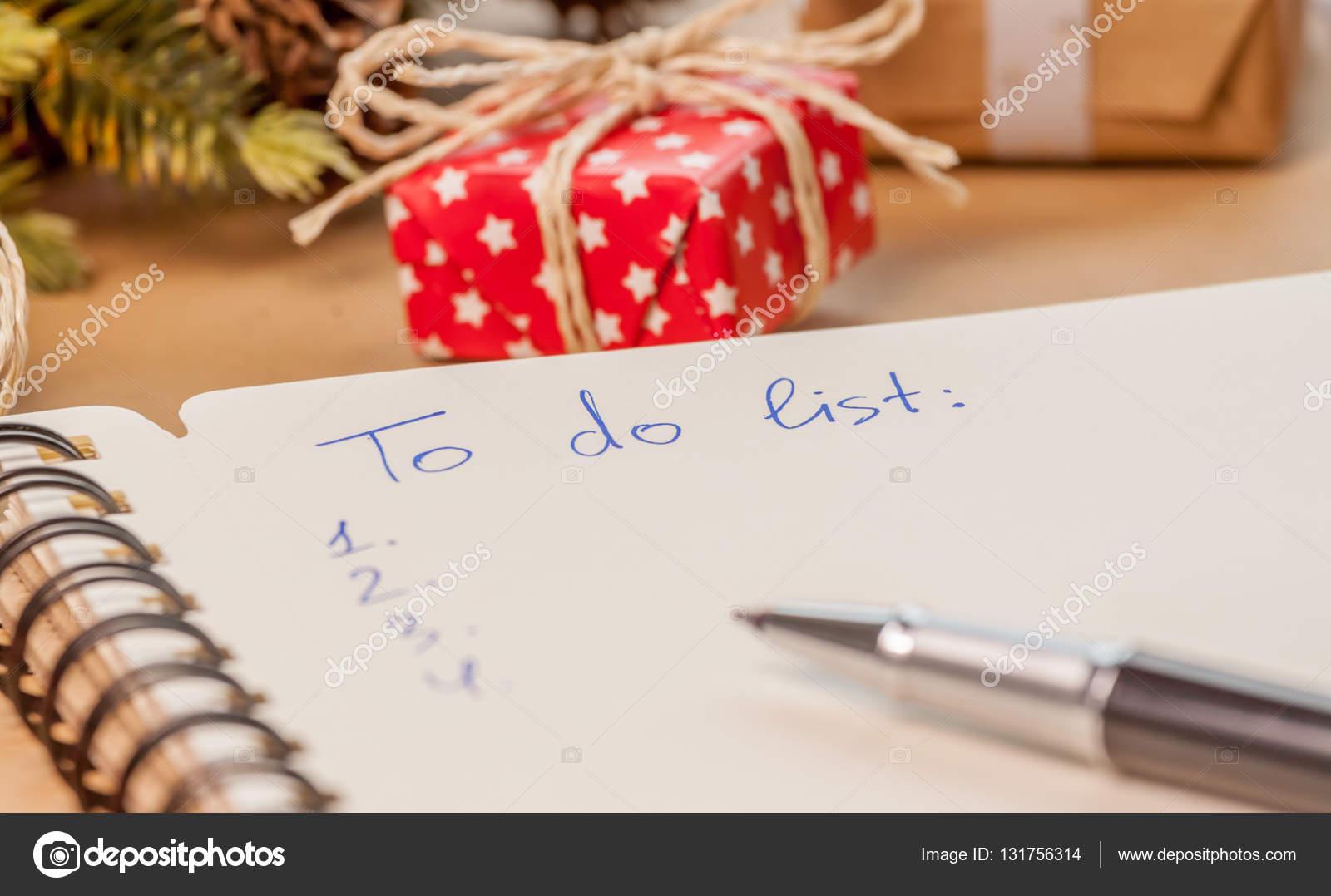 to do-Liste unter Geschenke — Stockfoto © ChechotkinAnton #131756314