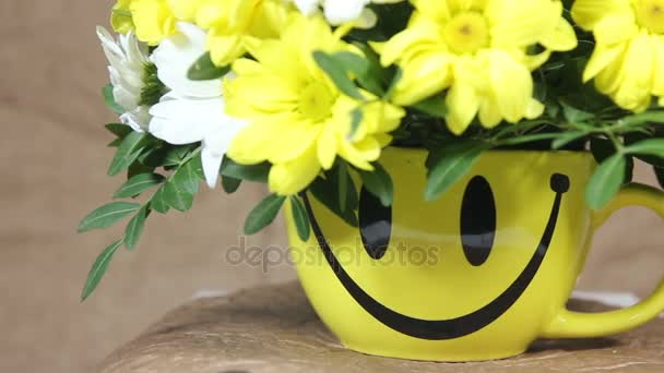 Yellow And White Flowers Romantic Bouquet In Cup With Smile Turns