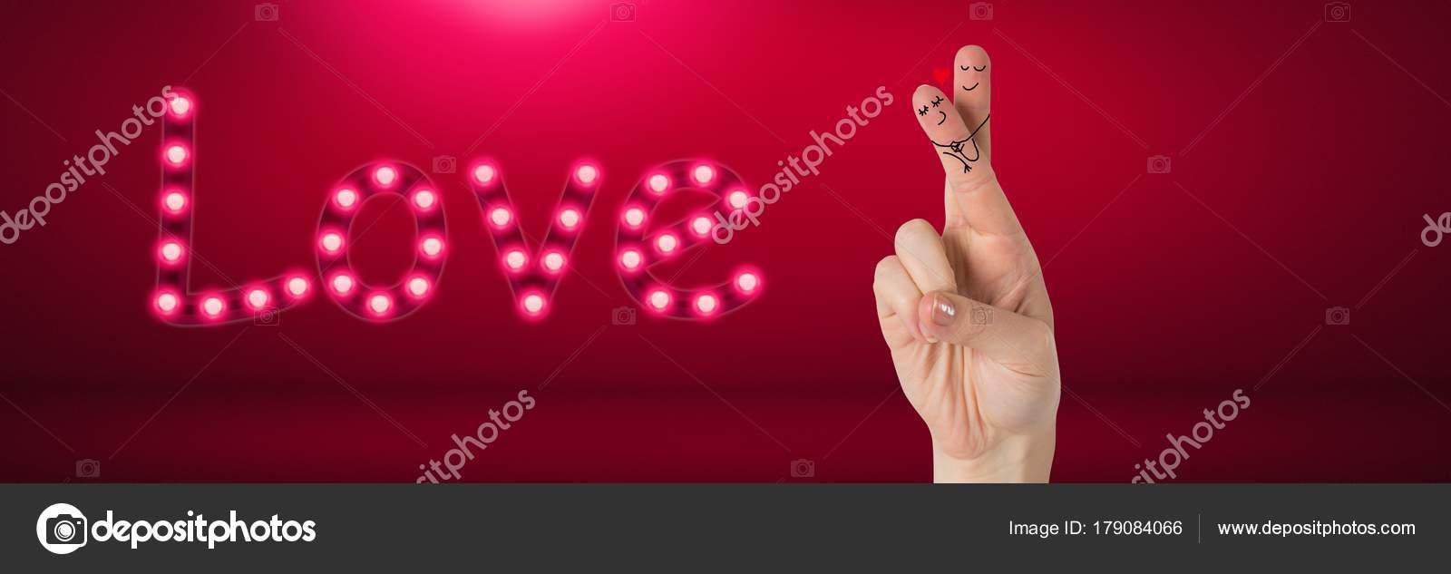 バレンタインの指のデジタル合成カップルの愛情に満ちたテキスト光る