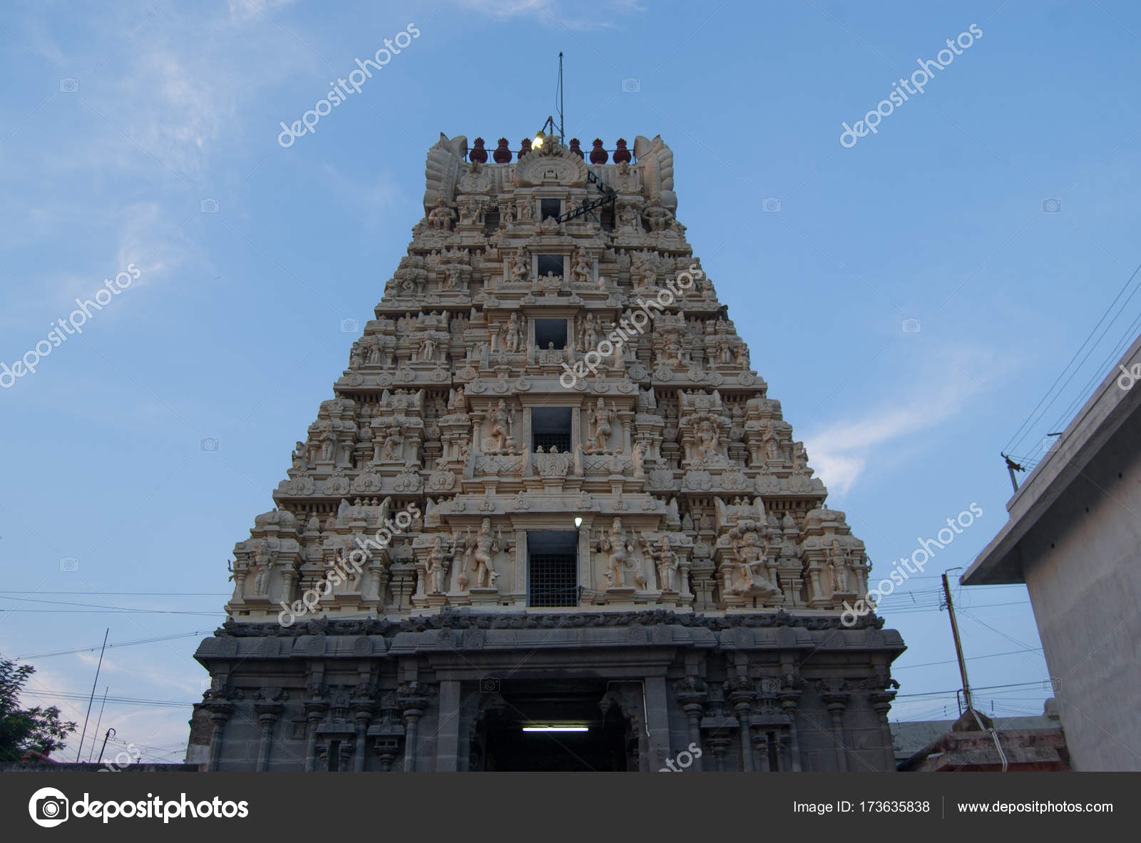 Ashtabujakaram is a Hindu temple in Kanchi  Located in the
