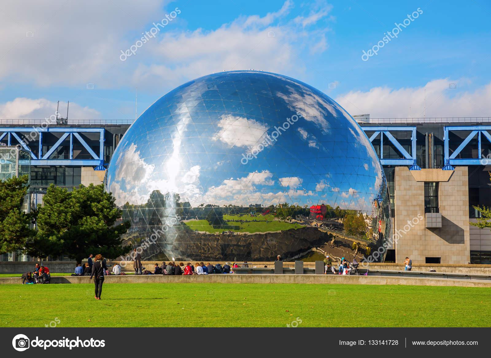 La geode in the parc de la villette paris france for Foto villette