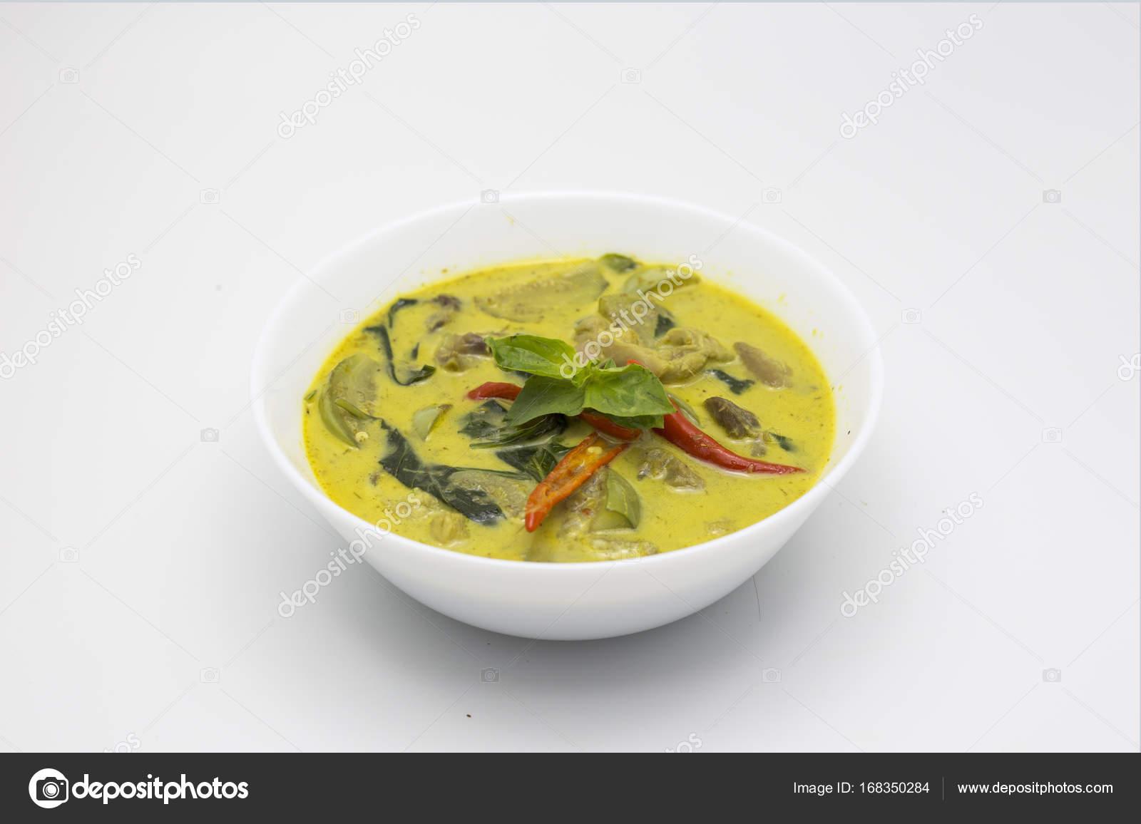grüne Curry Huhn thai-Küche — Stockfoto © yanukit #168350284