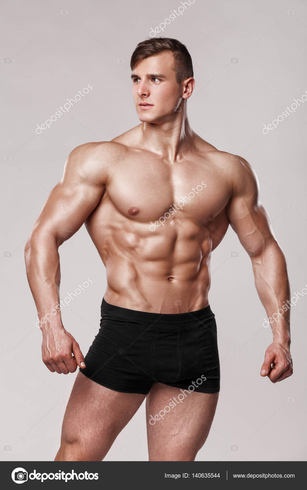 naked-fitness-male-model