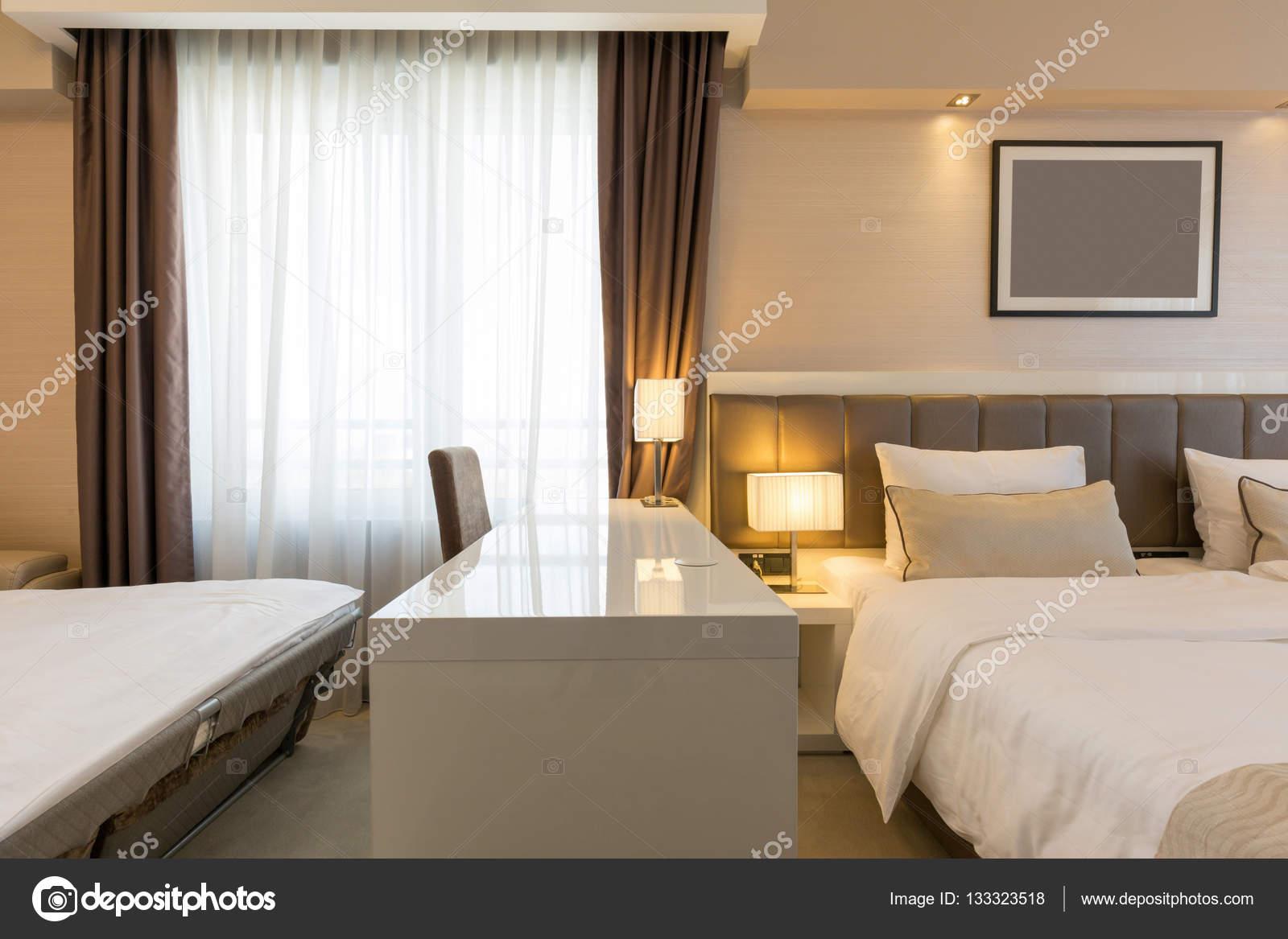 Innenministerium ein neues Hotel-Schlafzimmer — Stockfoto © rilueda ...