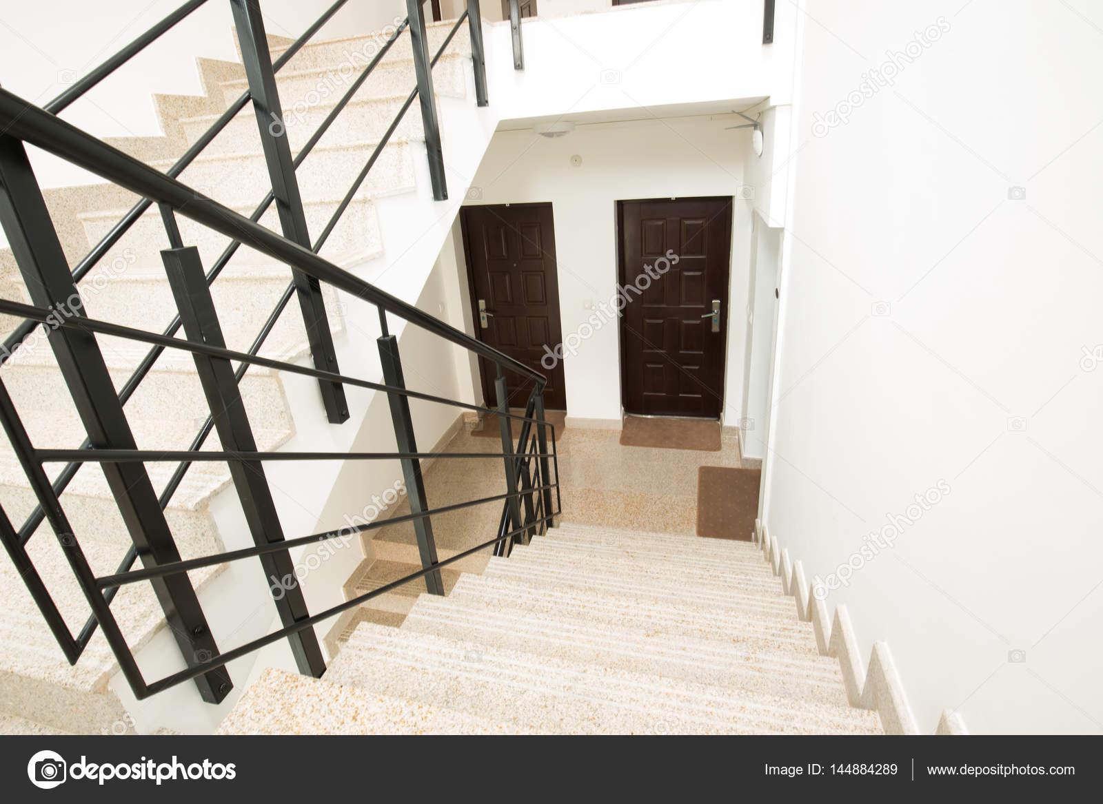 Treppenhaus Haus Innenarchitektur — Stockfoto © rilueda #144884289