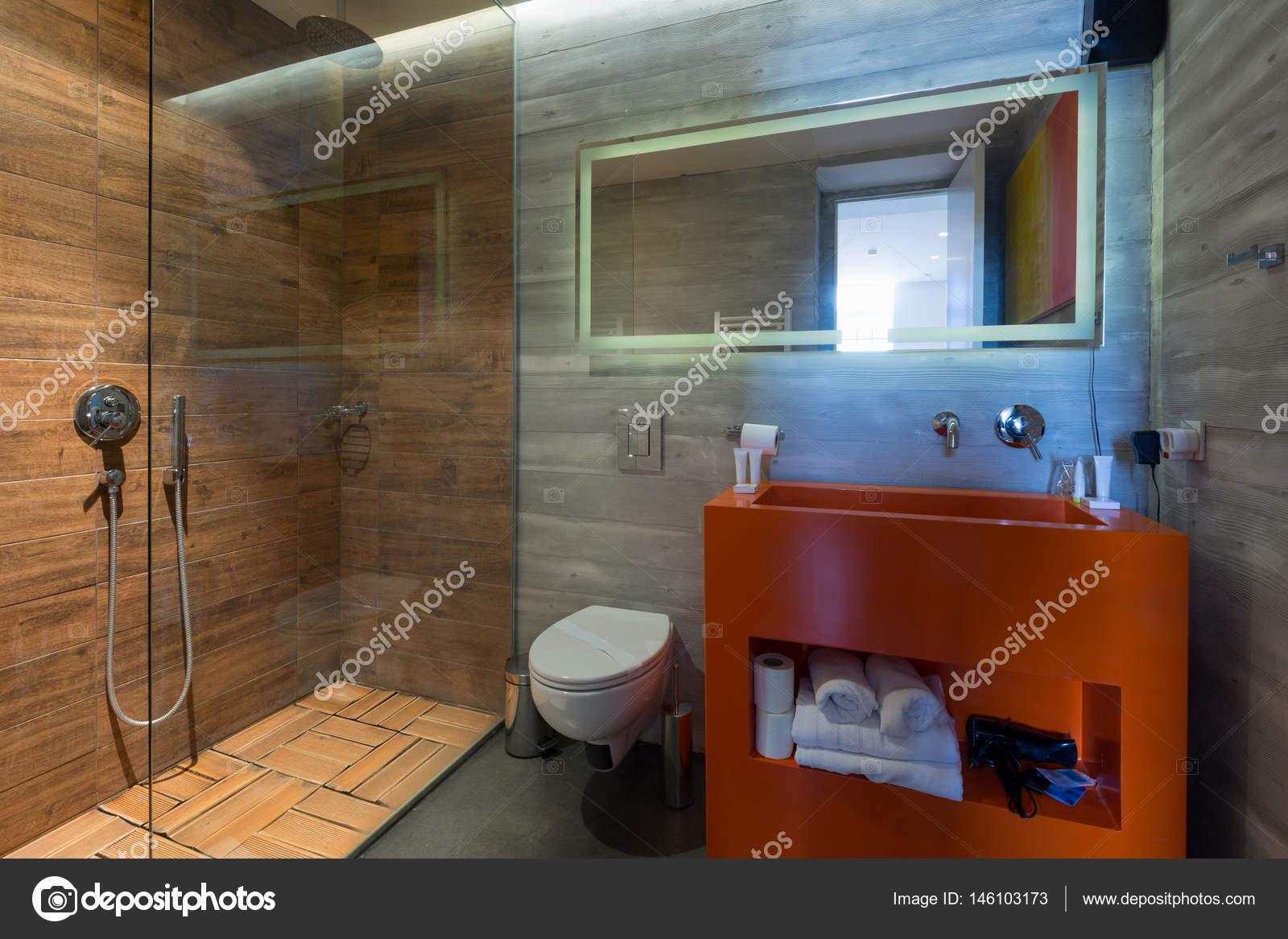 Intérieur d\'une salle de bain hôtel luxe — Photographie rilueda ...