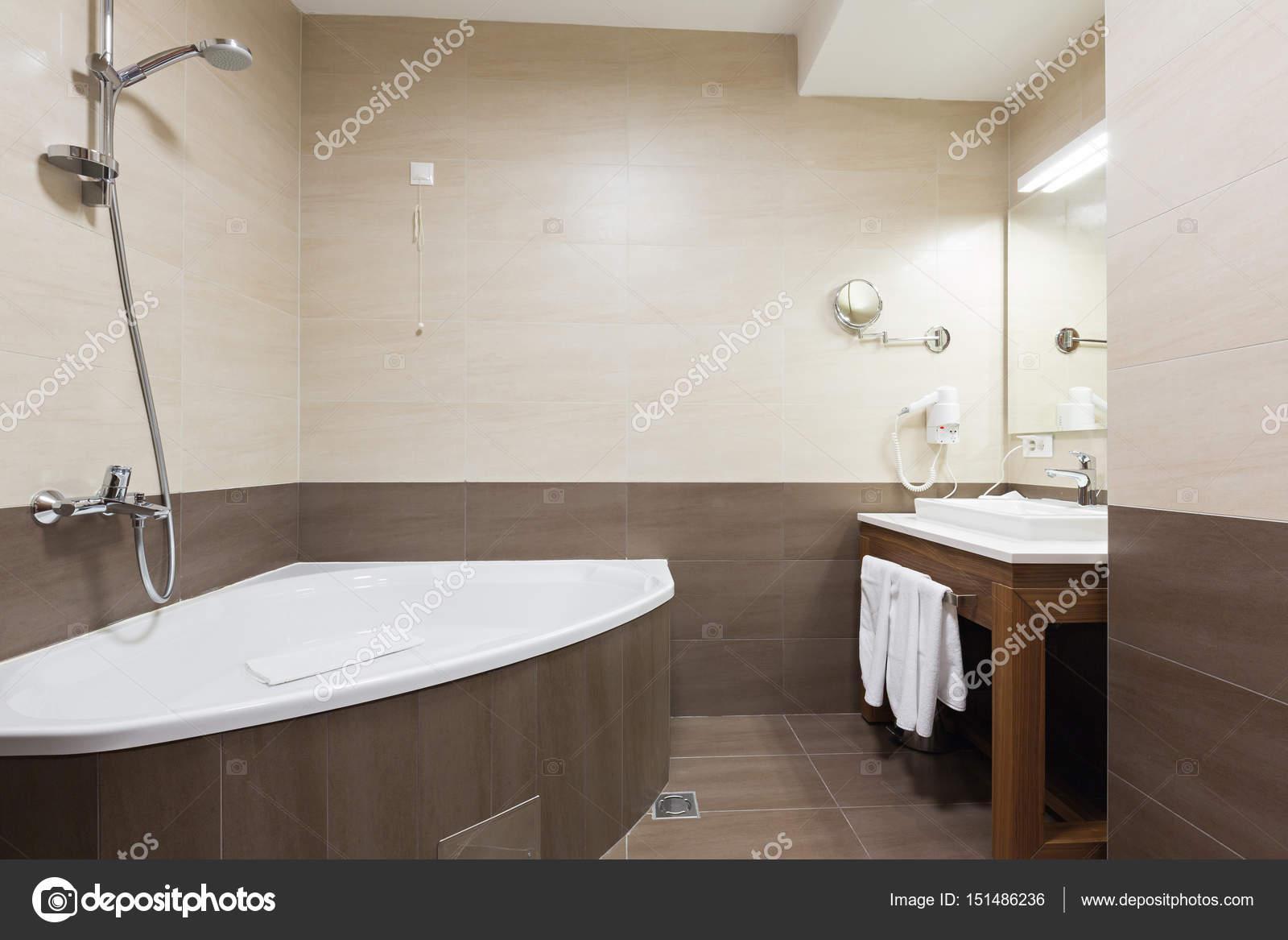 Hotel badkamer interieur — Stockfoto © rilueda #151486236