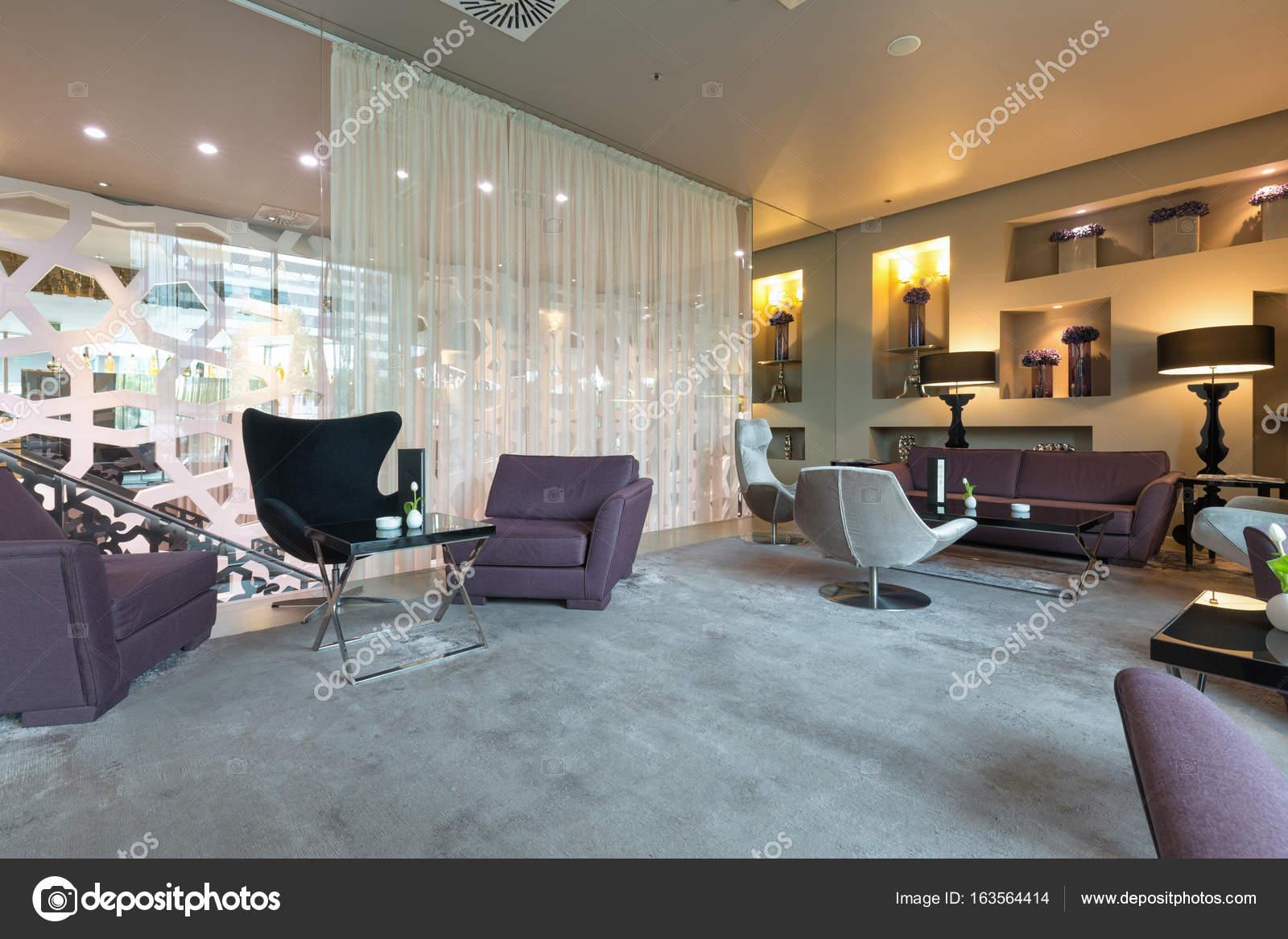 Moderne luxus hotel lounge u stockfoto rilueda