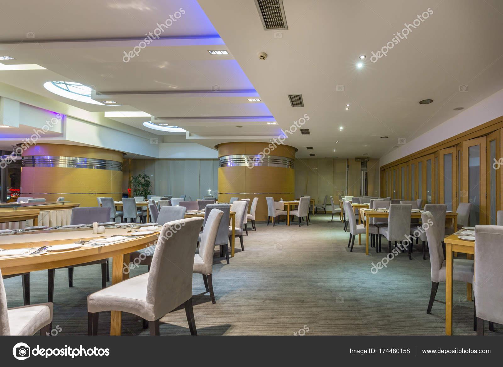 interieur van een restaurant van het hotel stockfoto