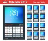 Nástěnné kalendáře Plánovač šablona pro rok 2017. Sada 12 měsíců. Šablona návrhu vektorové s místem pro fotografie. Začátek týdne neděle. Orientace na výšku. Černé pozadí