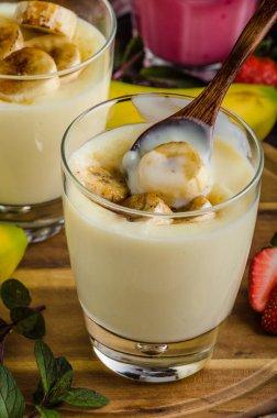 Banana puddink photo, delish and simple dessert stock vector