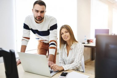 Freelancers using internet in office