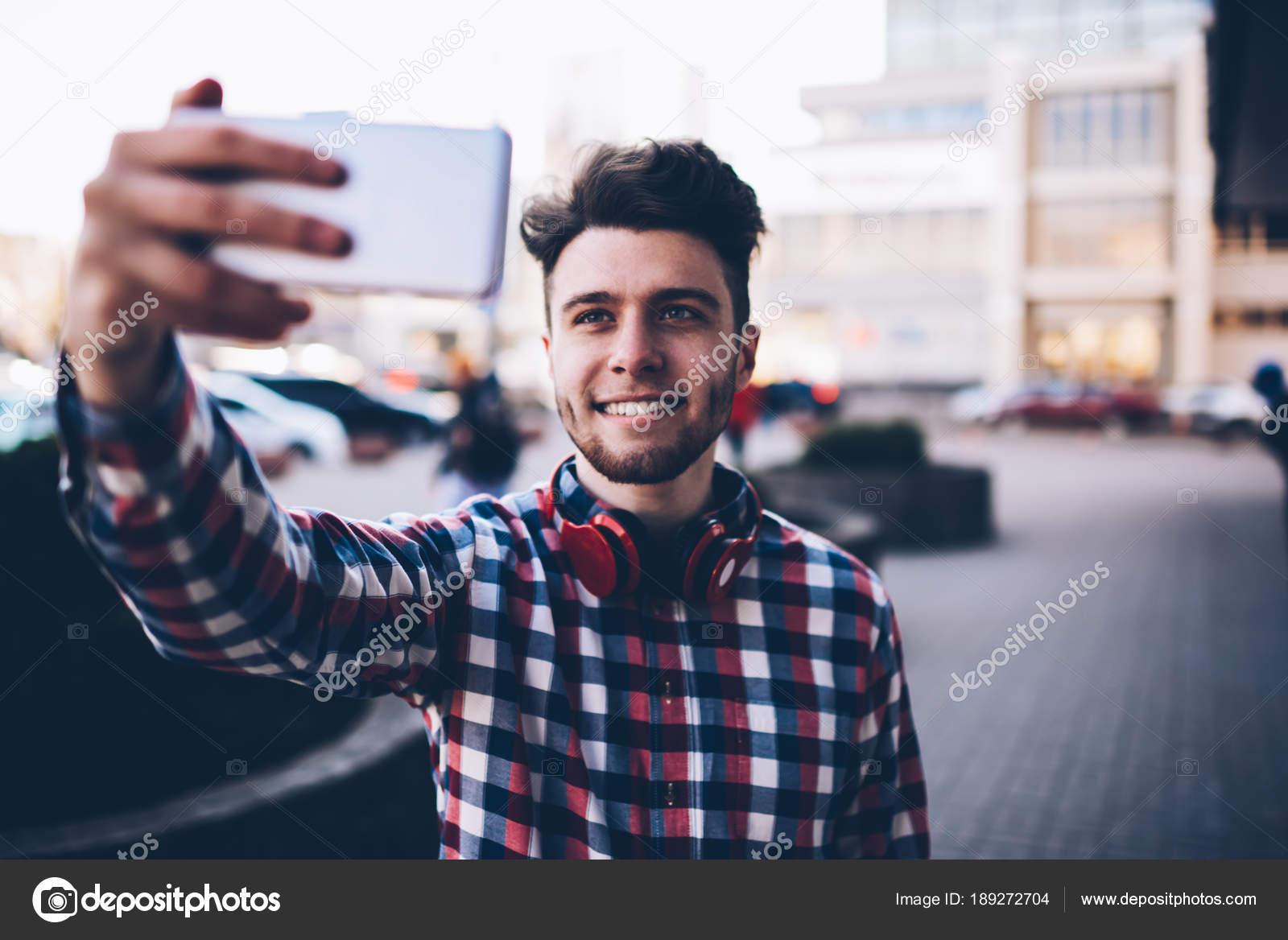 Съемка мобильным как парень