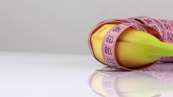 Princip stravovací jednotky pro banány a měření životnosti HD