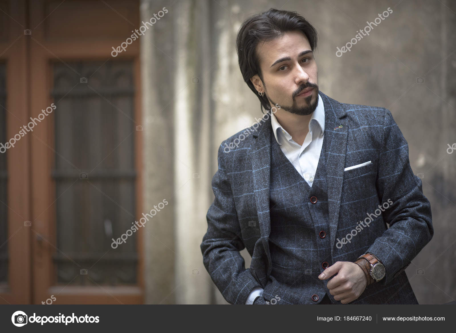 Junger Mann Im Englischen Vintage Tweed Anzug Stockfoto