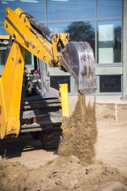 Construction work with digger machines